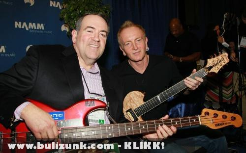 Grammy 2011: Mike Huckabee és Phil Collen