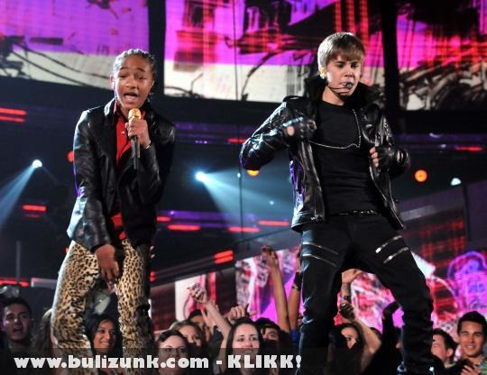 Grammy 2011: Justin Bieber és Jaden Smith