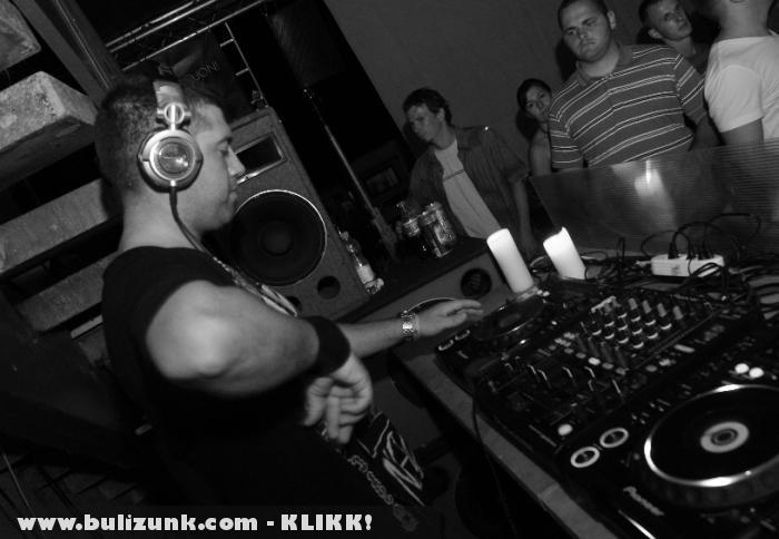DJ Chriss