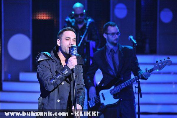 Compact Disco énekli Sound of Our Hearts címû számát 2012. január 28-án az 57. Eurovíziós Dalfesztivál hazai elsõ elõdöntõjén