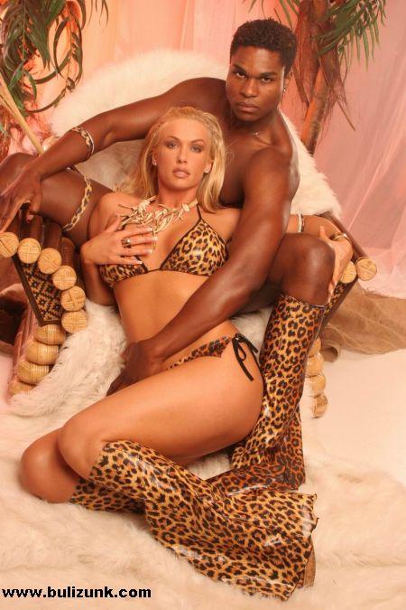 VV Anikó és Angelo, mint erotikus táncos