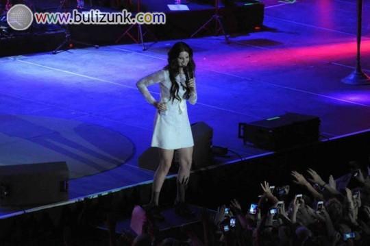 Lana Del Rey koncert közben