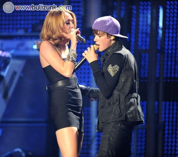 Miley Cyrus és Justin Bieber
