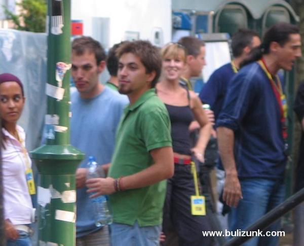 Torres Dániel (Dani) a fellépés elõtti izgalomban