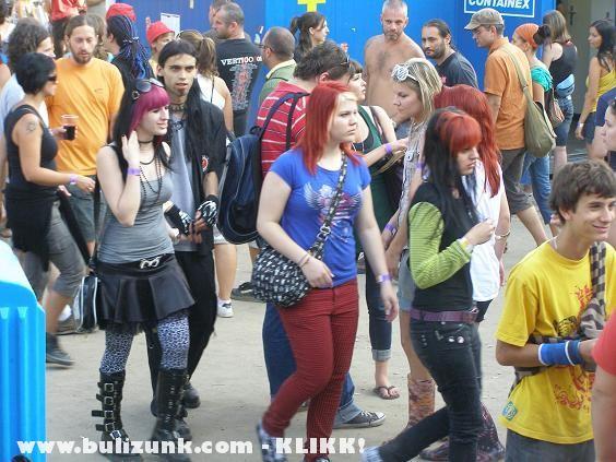 Néhány Manson rajongó