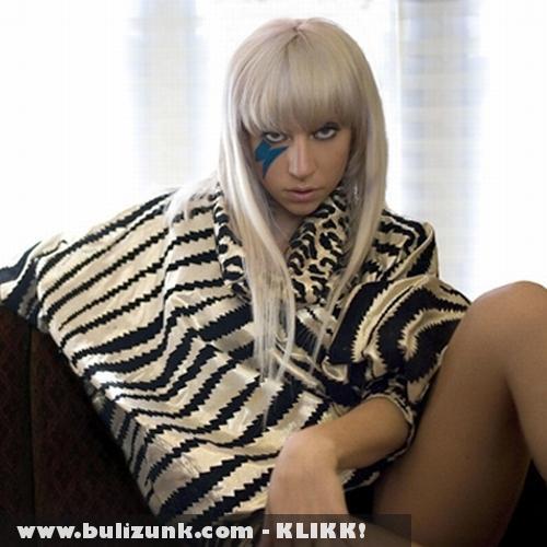 Lady Gaga a kanapén