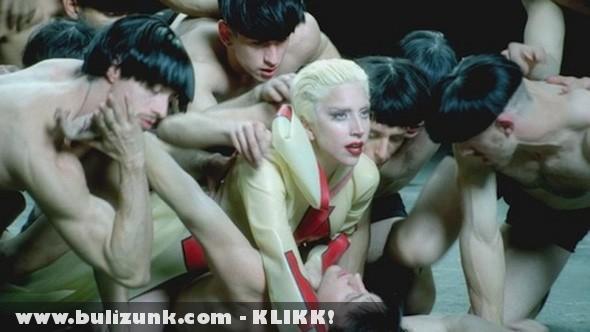 Lady Gaga és táncosai