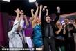 Fábián Juli és a Zoohacker együttes tagjai örülnek, miután a közönségszavazás eredményeként továbbjutottak a döntõbe az 57. Eurovíziós Dalfesztivál hazai második elõdöntõjén