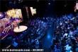 Gyurcsik Tibi énekli Mozi szélesvásznon címû számát az 57. Eurovíziós Dalfesztivál hazai második elõdöntõjén
