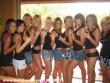 Lányok sorakozó