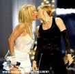Madonna csókja